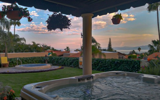 Lake View Oasis